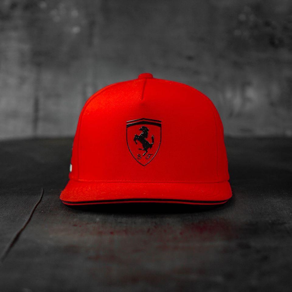 Mũ thể thao Ferrari đẹp