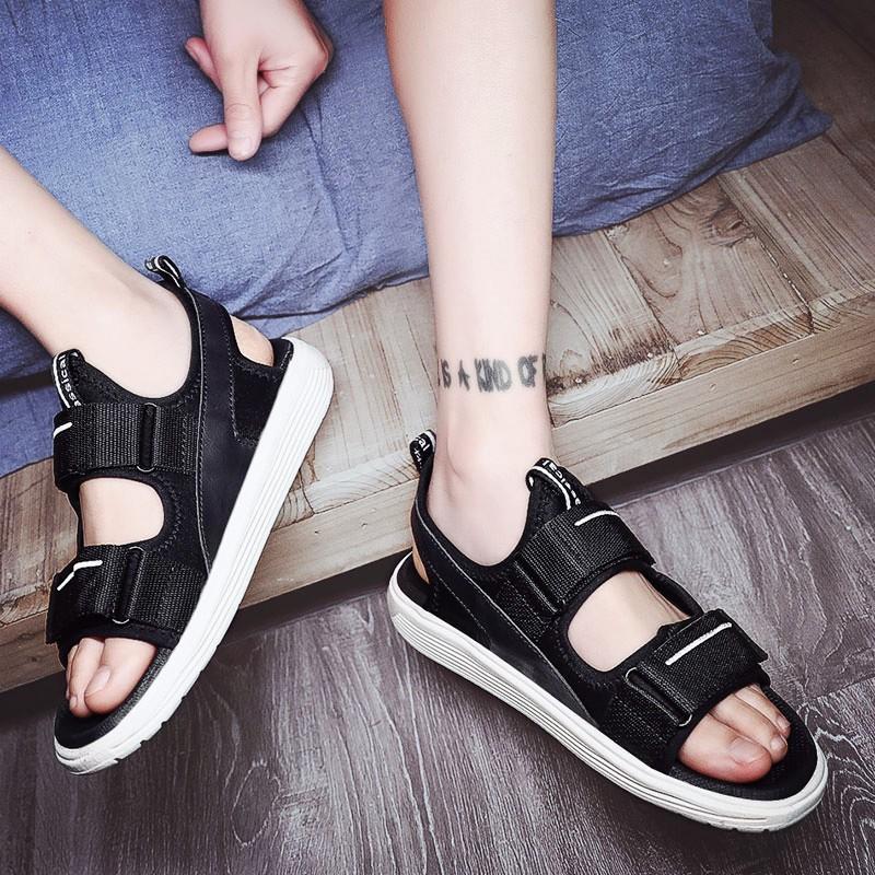 Dép mới 2019 xu hướng nam Phiên bản tiếng Hàn của một đôi dép nam Dép nam mùa hè mang giày đi biển cá tính nam