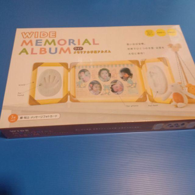 กรอบรูปพิมพ์รอยมือเท้าเด็ก แม่ค้ารับจากญี่ปุ่นค่ะ ของมือสองที่ยังำม่ผ่านการใช้งาน ดีงามมากคร่า