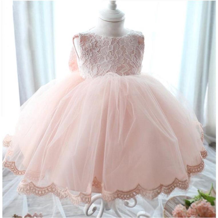Đầm xòe công chúa phối ren xinh xắn cho bé gái nhân dịp thôi nôi 1 tuổi