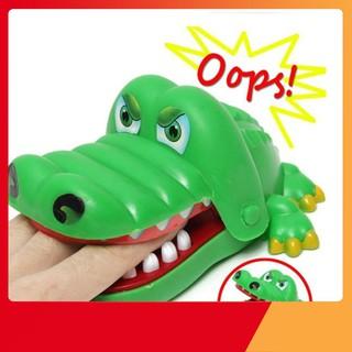 [H-VN] [Nhập TOYMAR giảm 10%]Bộ trò chơi cá sấu cắn tay Giảm Giá