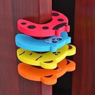 Set 7 miếng xốp chặn của chống kẹp tay cho bé - Set 7 miếng xốp chặn của chống kẹp tay cho bé thumbnail