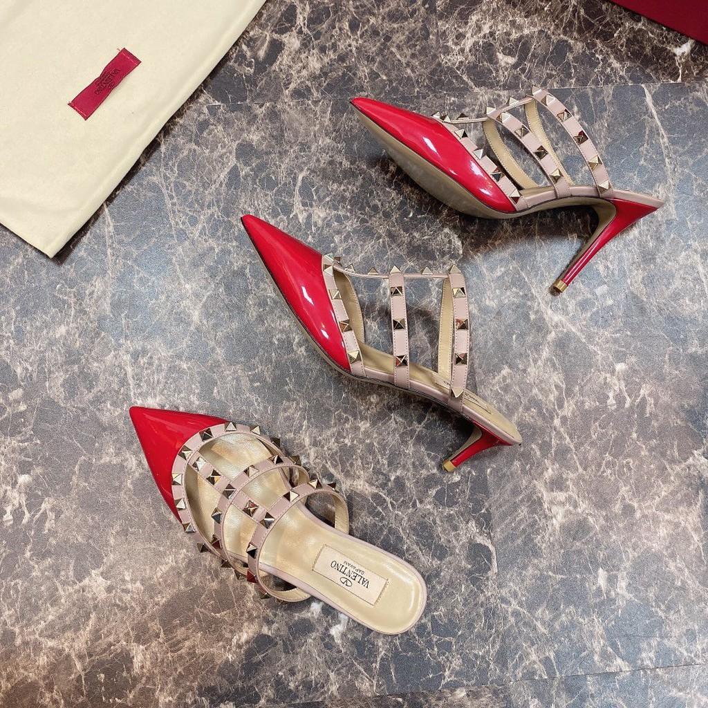 giày cao gót nữ đinh tán valentino