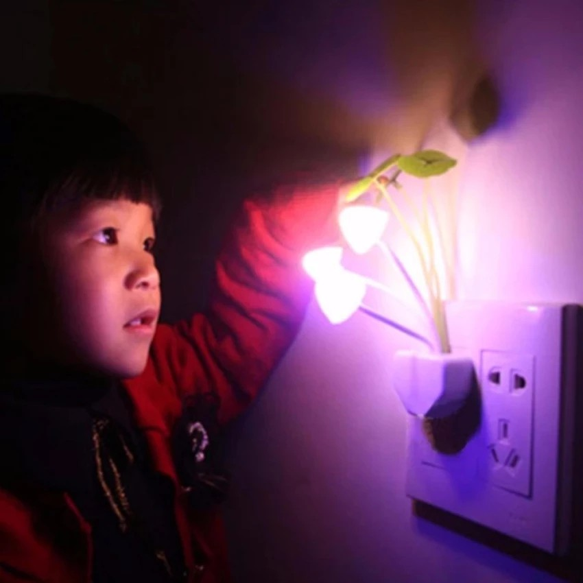 Đèn ngủ cảm ứng ánh sáng hình nấm 0,5W - 3195737 , 407327445 , 322_407327445 , 30000 , Den-ngu-cam-ung-anh-sang-hinh-nam-05W-322_407327445 , shopee.vn , Đèn ngủ cảm ứng ánh sáng hình nấm 0,5W