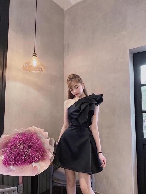 Mặc gì đẹp: Sang chảnh với Đầm dự tiệc lệch vai nhíu bèo vai dáng A xinh cực - Maris dress