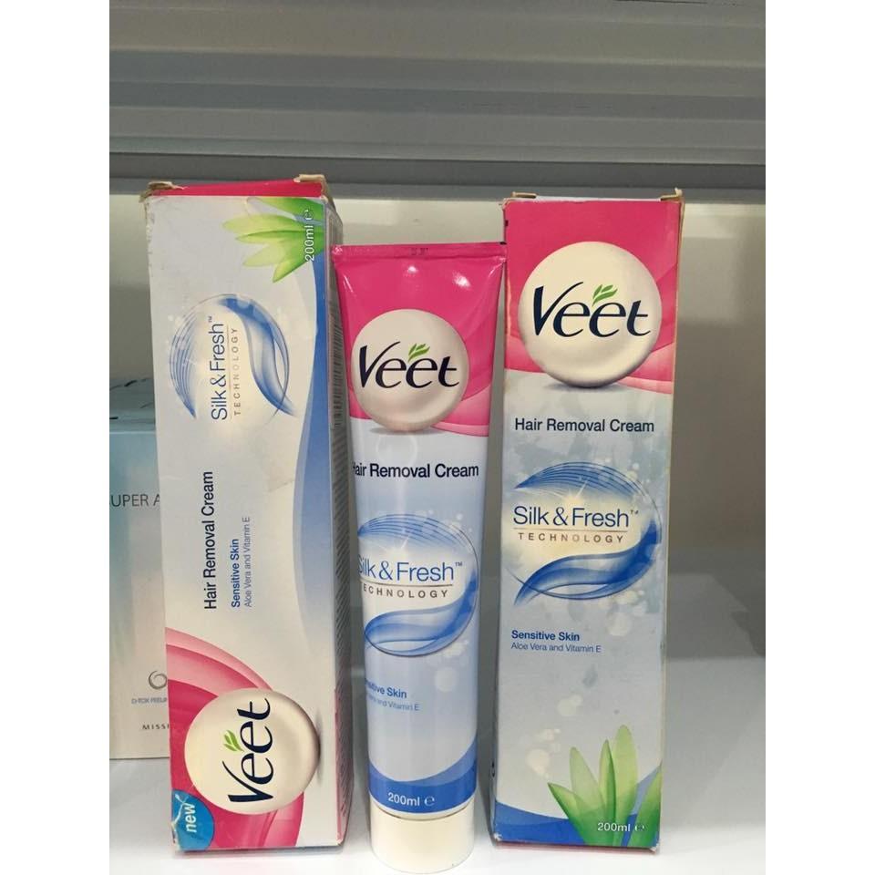 Kem tẩy lông Veet màu xanh cho da nhạy cảm 200ml(Bill mua tại Anh ảnh bên cạnh) - 2450651 , 193605102 , 322_193605102 , 330000 , Kem-tay-long-Veet-mau-xanh-cho-da-nhay-cam-200mlBill-mua-tai-Anh-anh-ben-canh-322_193605102 , shopee.vn , Kem tẩy lông Veet màu xanh cho da nhạy cảm 200ml(Bill mua tại Anh ảnh bên cạnh)