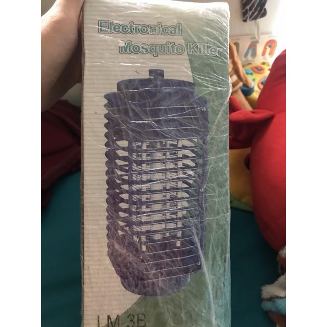 Đèn bắt muỗi Tower [Đọc kỹ trước khi mua] [Không giúp không bị muỗi đốt]