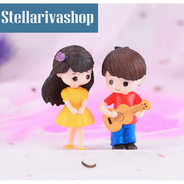 Tiểu cảnh cặp đôi trai gái đánh đàn làm terrarium/ mô hình trang trí
