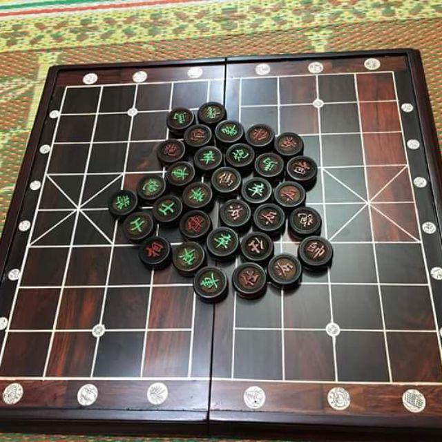 Bộ bàn và quân cờ tướng gỗ Trắc