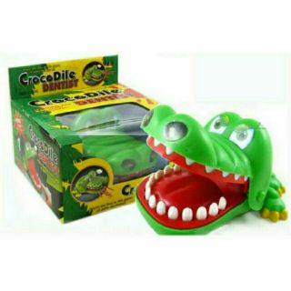 1 hộp khám răng cá sấu loại lớn