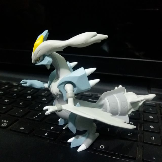Mô hình Pokemon White Kyurem tomy
