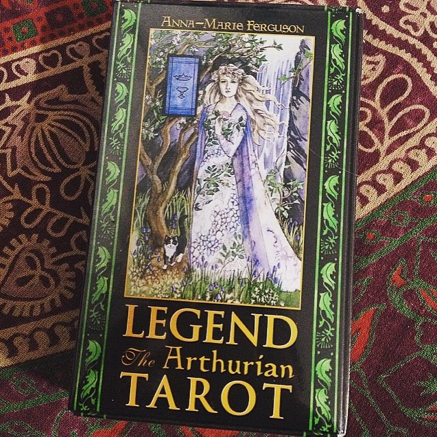 Legend: The Arthurian Tarot – Bookset Edition (Mystic House Tarot Shop)