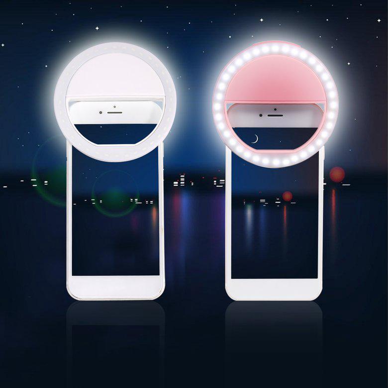 Đèn LED vòng mini gắn điện thoại cung cấp ánh sáng khi selfie