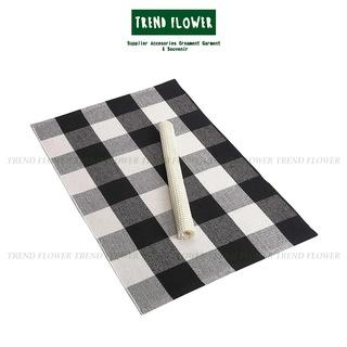 Khăn trải bàn bằng vải màu trắng đen thiết kế nhỏ nhắn tiện lợi dễ sử dụng thumbnail