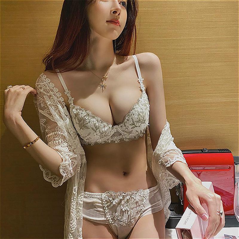 Underwear gathered soft steel ring thick embroidered bra set