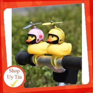 Vịt gắn xe có đèn nháy và mũ bảo hiểm đồ chơi cực đẹp – Có Chong Chóng siêu xinh hàng chuẩn