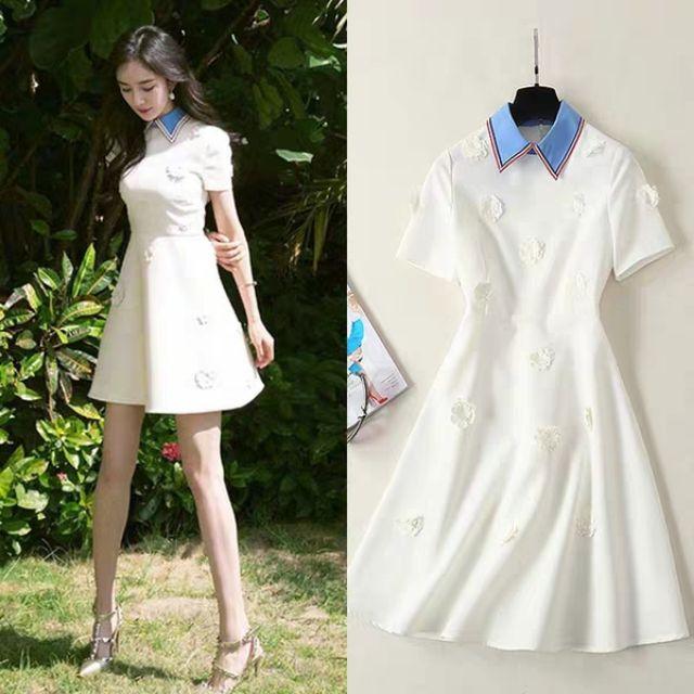 Váy trắng cổ vuông thêu hoa giống Dương Mịch
