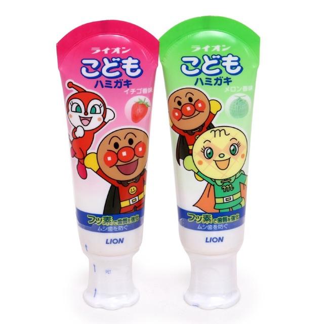 Kem đánh răng Lion Nhật Bản nuốt