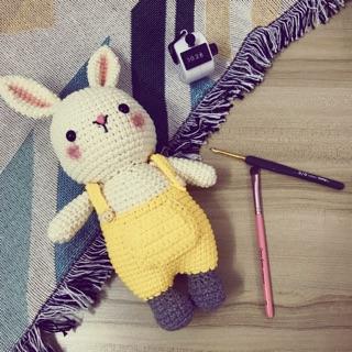 Thỏ bông bằng len cho bé