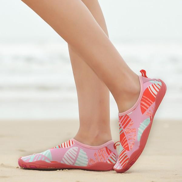 Giày Đi Biển Size Lớn Màu Hồng