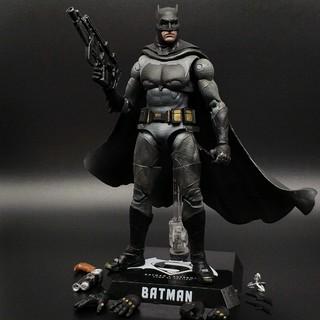 Mô hình đồ chơi Batman người dơi cao 18cm tỉ lệ 1/10