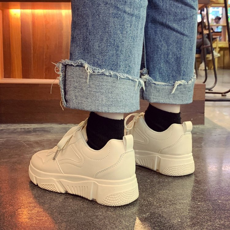 Giày Sneaker Mũi Tròn Dây Đan Chéo Thoải Mái