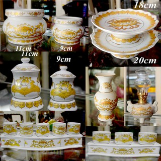 Bình hoa thờ cúng sứ trắng sen vàng - hình 3