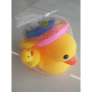 [ĐỒ CHƠI] [HÀNG ĐẸP GIÁ RẺ] Set 4 vịt kèm phao mini thả bồn tắm cực yêu cho bé