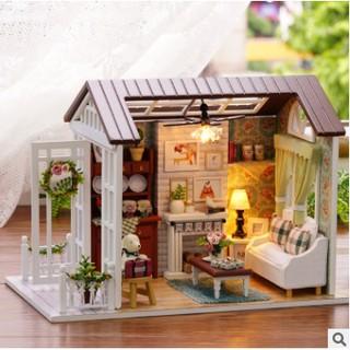 Mô hình nhà gỗ DIY nghỉ lễ hạnh phúc