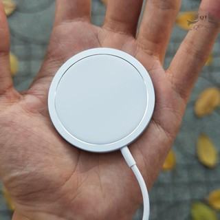 [SẠC NHANH] Đế Sạc Không Dây Apple MagSafe 15W Cho iPhone 12 Và Các Dòng Máy Hỗ Trợ Sạc Không Dây Chuẩn Qi thumbnail