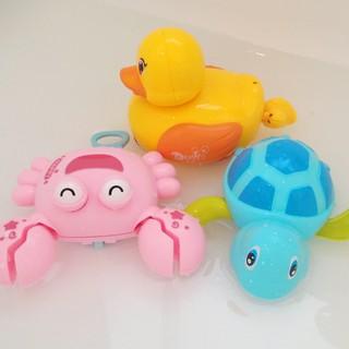 Rùa Đồ Chơi Trong Bồn Tắm