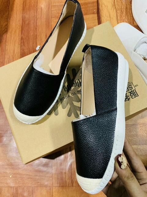 FREE SHIP 99k [Shopee trợ giá sock] Giày slip on Zra da trơn siêu đẹp đế mềm dẻo dễ đi phù hợp vói mọi lứa tuổi
