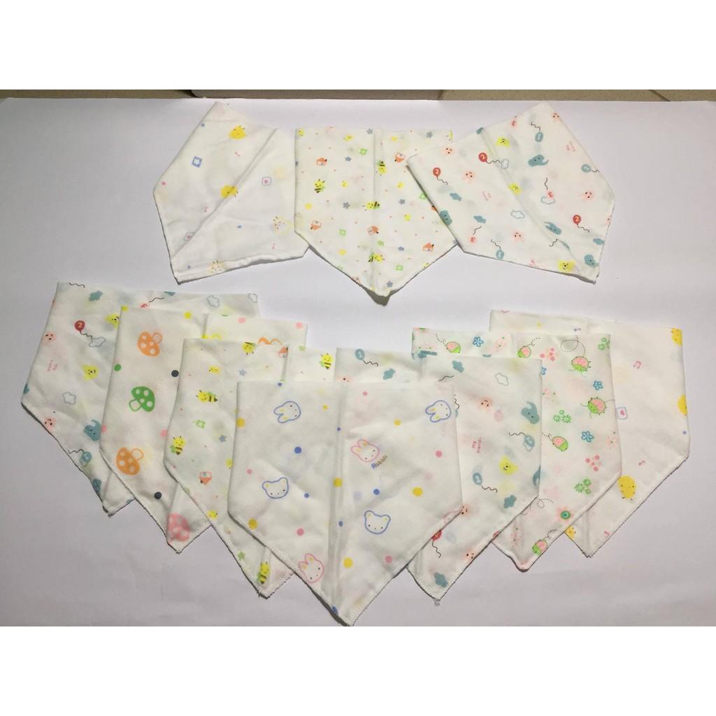 Yếm khăn xô hoa hàng Carter Việt Nam