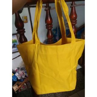Túi xách size lớn có dây kéo màu vàng