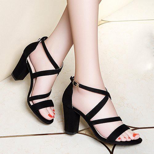 Giày cao gót dây