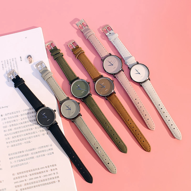 นาฬิกาแฟชั่นคู่นาฬิกาคู่ที่เรียบง่ายและสดใหม่เวอร์ชั่นเกาหลี