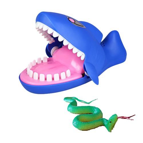 Combo 5 khám răng cá mập + 50 đồ chơi rắn nhựa - 3050837 , 1225843293 , 322_1225843293 , 745000 , Combo-5-kham-rang-ca-map-50-do-choi-ran-nhua-322_1225843293 , shopee.vn , Combo 5 khám răng cá mập + 50 đồ chơi rắn nhựa