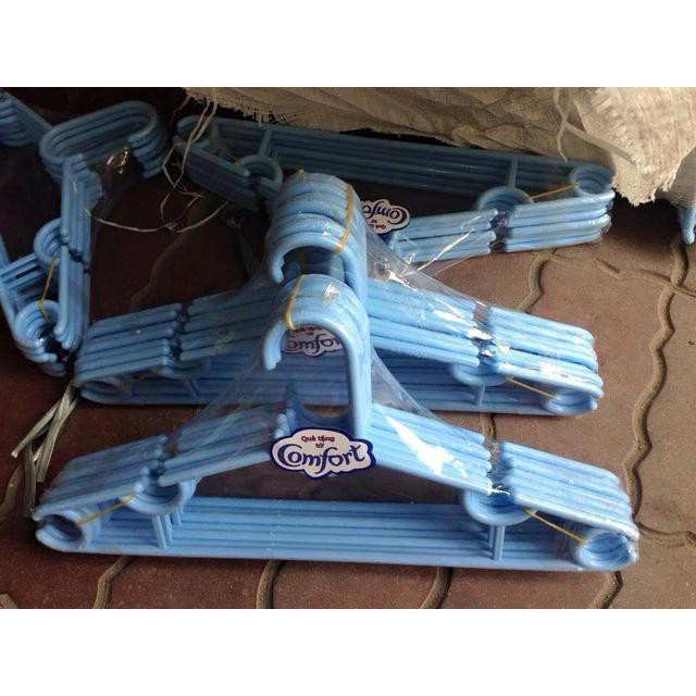 Móc áo nhựa Comfort lốc 6 cái màu xanh