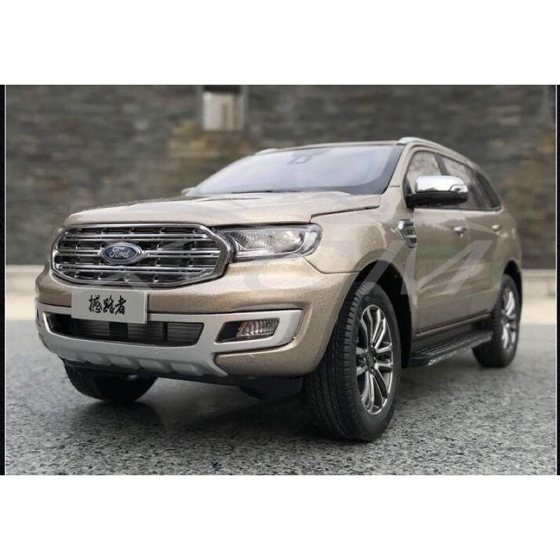 Mô hình Ford Everest 2020 1:18