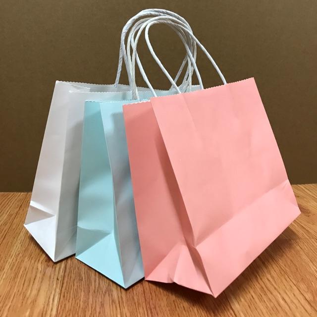 Túi giấy KRAFT quai xoắn kt 20x22x10cm cho các shop(sẵn 3màu)