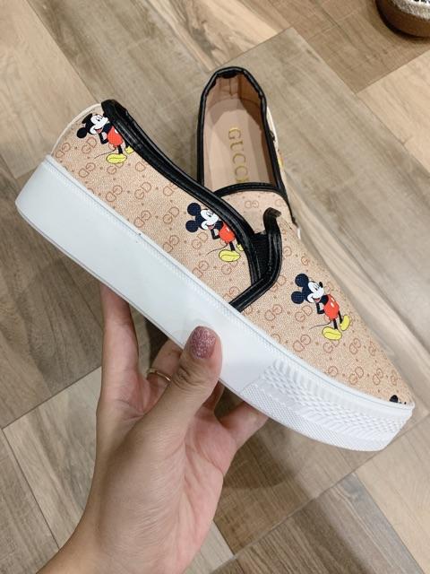 Giày slipon độn đế mickey