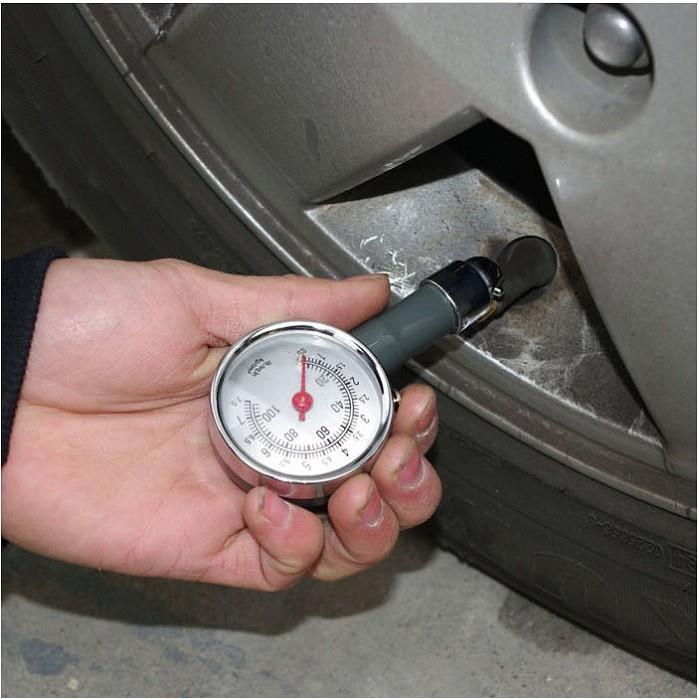 Đồng hồ đo áp suất lốp xe máy ô tô loại 1 đựng hộp nhựa cứng