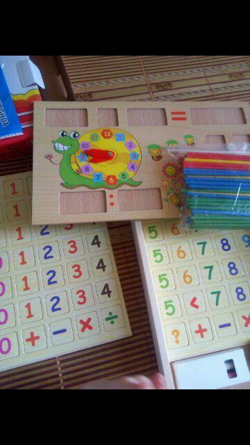 Bảng gỗ học toán thông minh