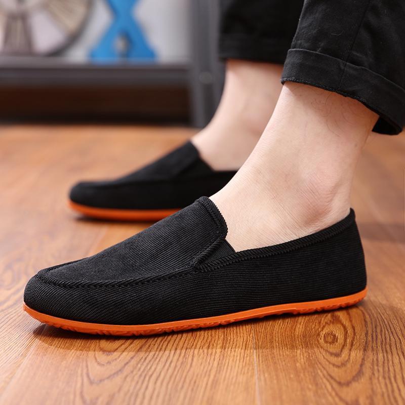 【จัดส่งฟรี】ท้าผ้าใบรองเท้าผู้ชายระบายอากาศเหยียบขี้เกียจรองเท้าผู้ชายรองเท้า Peas