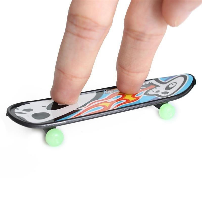 【Crazybuy】24 Pcs/lot Mini Finger Boards Skate Trucks Finger Skateboard Kid brand new