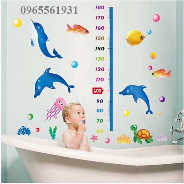 Decal dán tường đo chiều cao cá heo