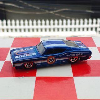 Xe Mô Hình Chính Hãng HotWheels – 69 Ford Torino Talladega