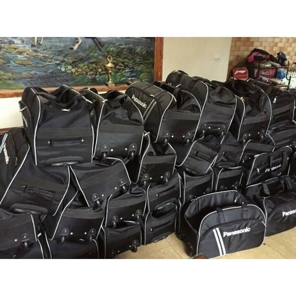 Túi du lịch Panasonic có cần kéo nhiều ngăn