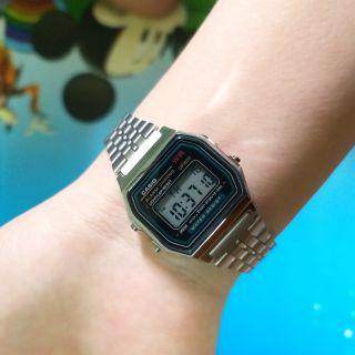 Đồng hồ điện tử nam nữ dây kim loại