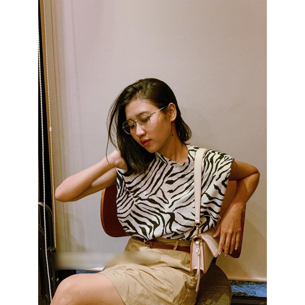 Mặc gì đẹp: Xinh tươi với Áo công sở ngựa vằn G48 ngắn tay sát nách chất voan lụa cực mát, Áo họa tiết ngựa vằn sang chảnh cực kỳ thời trang